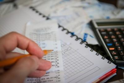 Cum să faci economii: Sfaturi care te vor ajuta să-ți păstrezi banii în portmoneu
