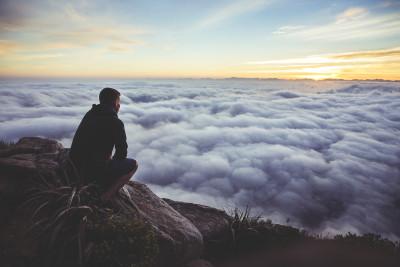 10 legi neștiute ale karmei care îți vor schimba viața