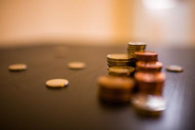 5 obiceiuri caracteristice persoanelor care au trăit în sărăcie