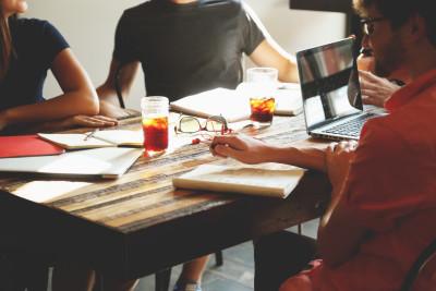 6 lucruri pe care micii afaceriști trebuie să le învețe de la cei mai mari