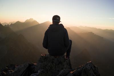 8 sfaturi pentru cei care vor să fie fericiți la 40 de ani