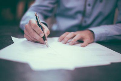 De ce ești mai productiv atunci când îți scrii ideile pe hârtie