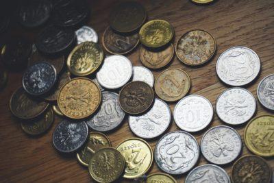 4 etape-cheie din viața oamenilor bogați