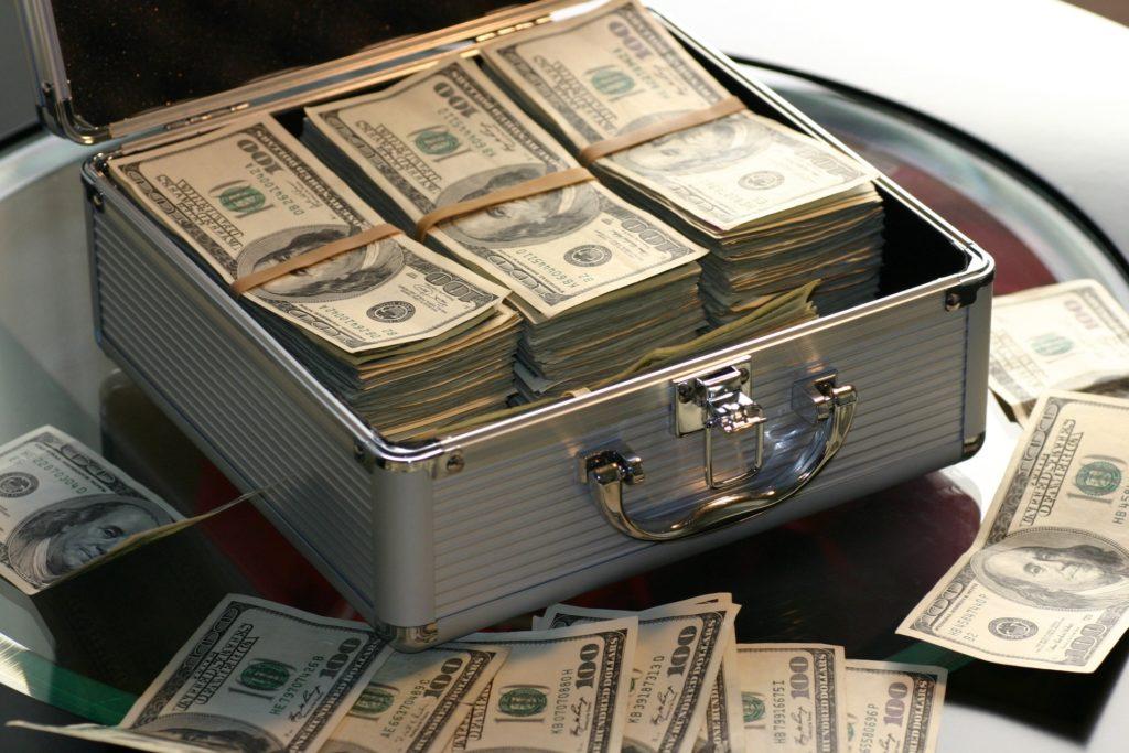 cum să câștigi și să nu cheltui bani)