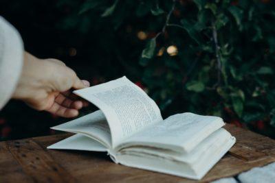 Recomandare de cărți pentru cei care vor să schimbe lumea