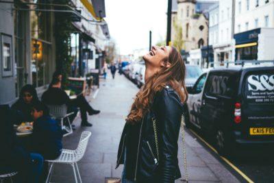 9 modalități inteligente de a face față oamenilor toxici