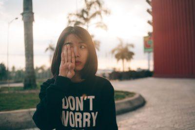 7 trucuri care te vor ajuta să faci față oamenilor nepoliticoși