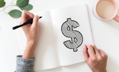 Cum îți înveți copilul să cheltuiască inteligent banii