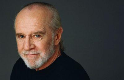 Cele mai bune citate de la George Carlin: Nu subestima niciodată puterea proştilor organizaţi în grupuri mari