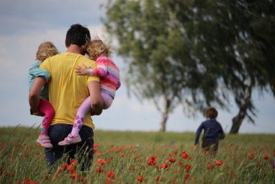 """5 sfaturi utile la orice vârstă, desprinse din """"managementul"""" mediului familial"""