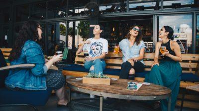 7 tipuri de prieteni pe care trebuie să îi ai în viața ta