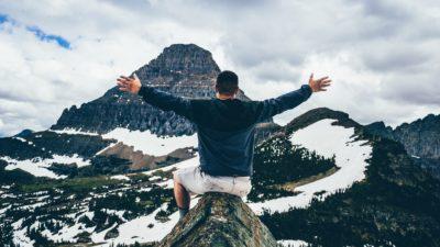 4 motive să dai bani pe experienţe, dar nu pe lucruri