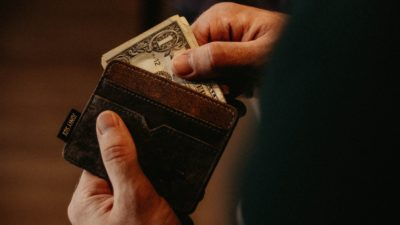 4 greşeli din cauza cărora pierzi banii