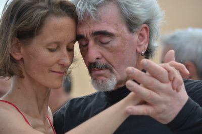 Oamenii de știință explică modul în care dansul încetinește îmbătrânirea creierului